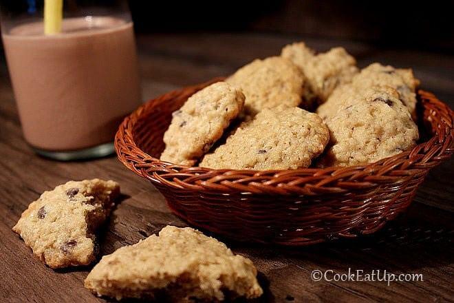 Μπισκότα βρώμης με κομματάκια σοκολάτας