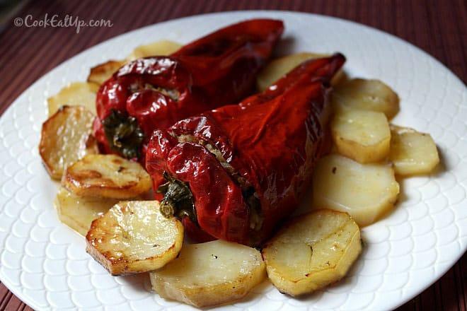 Πιπεριές Φλωρίνης γεμιστές με κιμά και λαχανικά