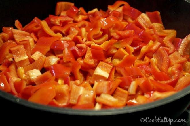 Χοιρινό με λαχανικά στην γάστρα