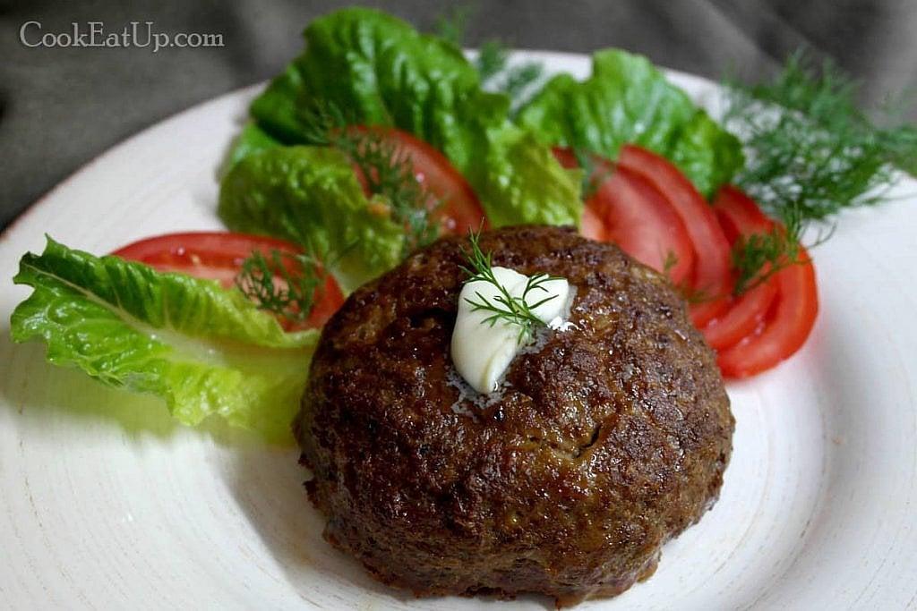 Μπιφτέκι γεμιστό, με λαχανικά και μοτσαρέλα