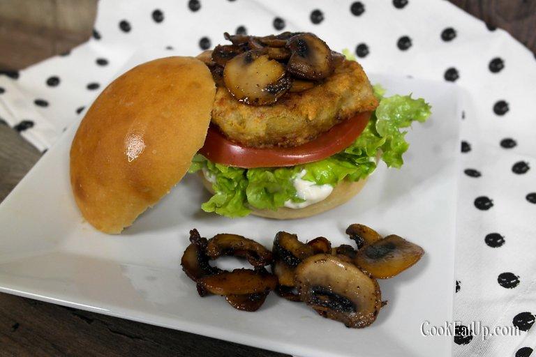 Νηστίσιμα μπέργκερ με το πιο τραγανό μπιφτέκι λαχανικών