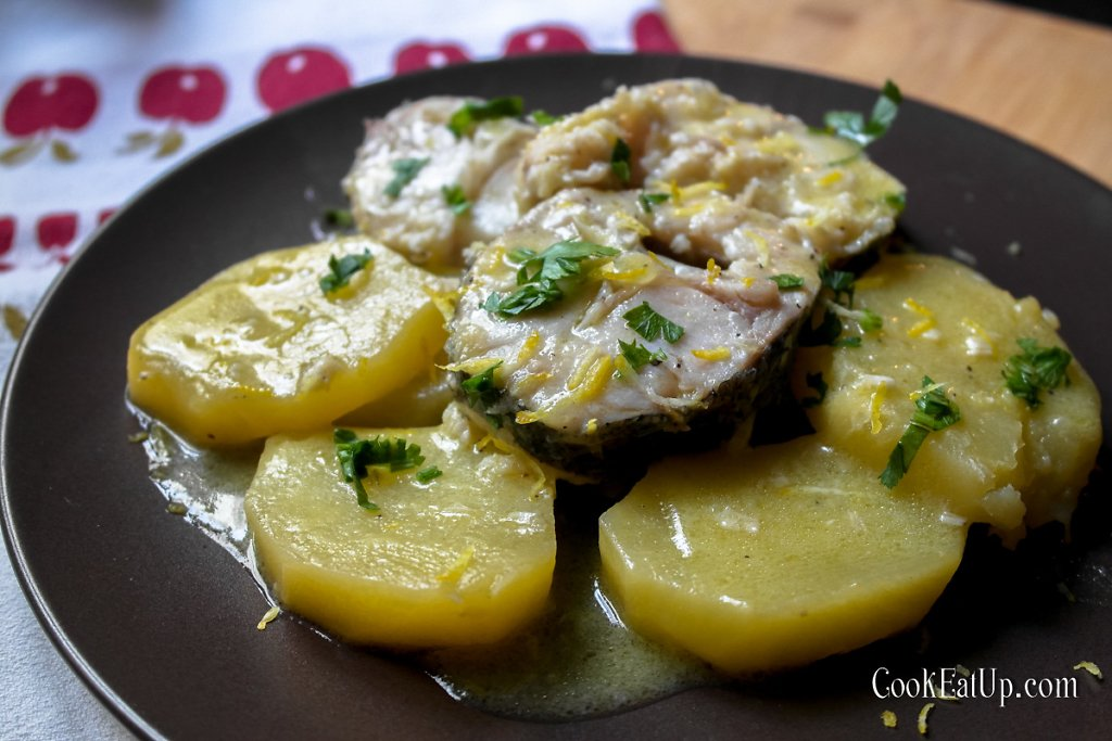 """Ψάρι """"μπιάνκο"""", παραδοσιακή συνταγή από την Κέρκυρα"""