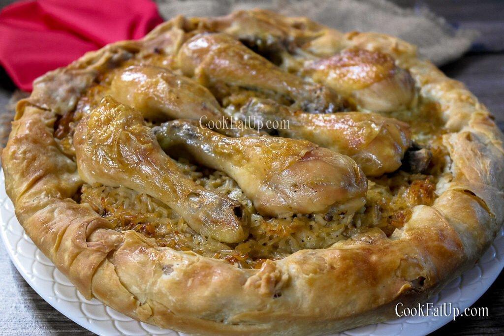 Παραδοσιακή ηπειρώτικη κοθρόπιτα με κοτόπουλο