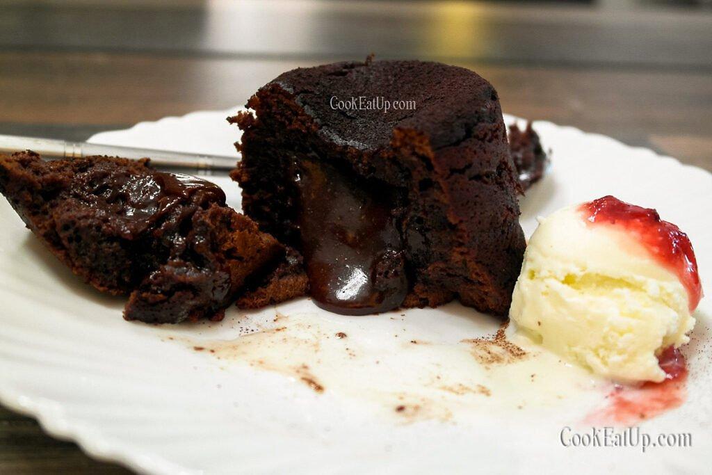 Το μυστικό για τα τέλεια Lava cakes και ποια η διαφορά τους από τα σουφλέ σοκολάτας