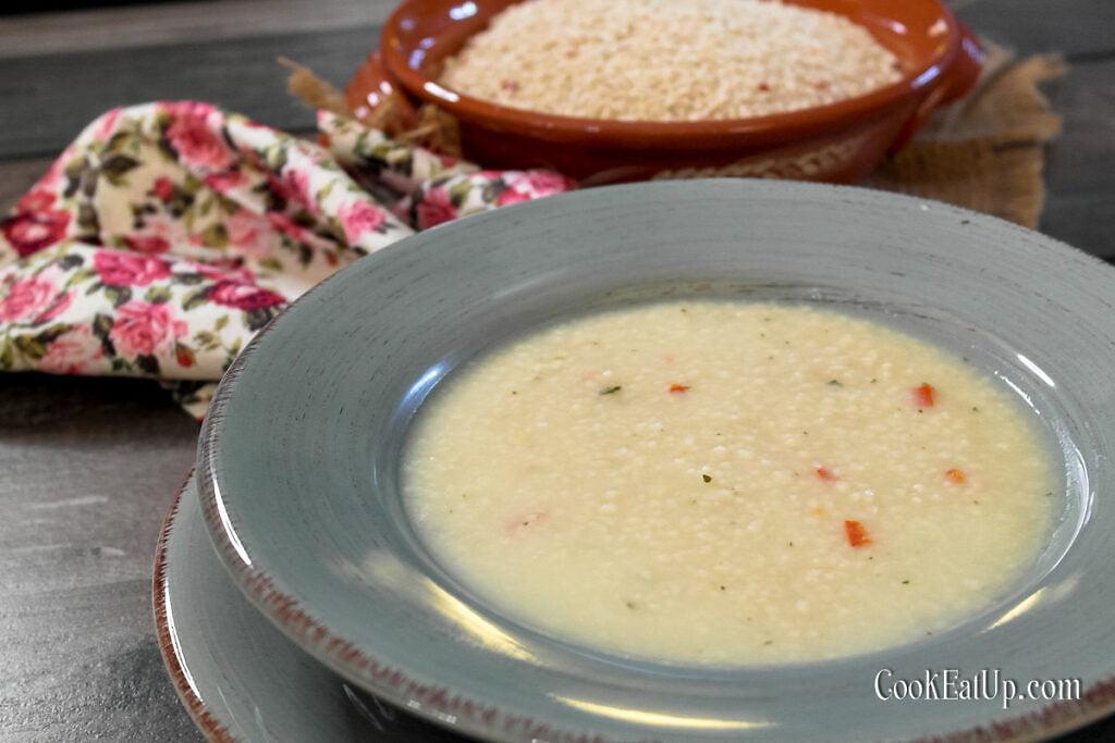 Σούπα με τραχανά, χυλωμένη και πεντανόστιμη