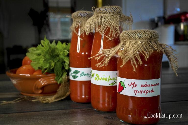 Εύκολη σπιτική σάλτσα ντομάτας και γιατί επιβάλλεται να φτιάξουμε!